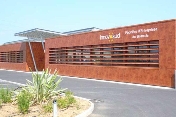 Batiment principal - Bureaux et Salle de réunion